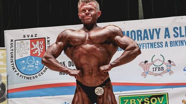 Kulturista Radek Lysý, který ve své kategorii na Mistrovství Moravy bral bronzovou medaili a nominoval se na Mistrovství republiky v Lysé nad Labem.