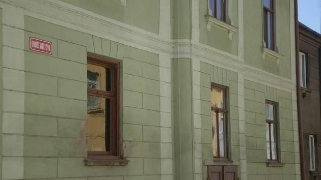 Dům s označením Rooseweltovy ulice v Třešti.
