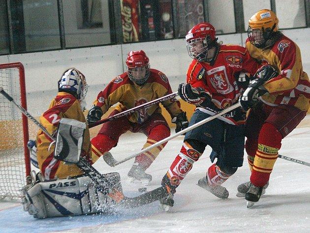 Druhý extraligový víkend přinesl jihlavským dorostencům další body. Na ledě Hradce Králové si spravili chuť druhou výhrou v soutěži.