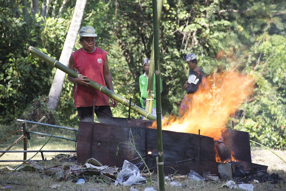 Jeden z nejsilnějších zážitků - pohřeb na Bali.