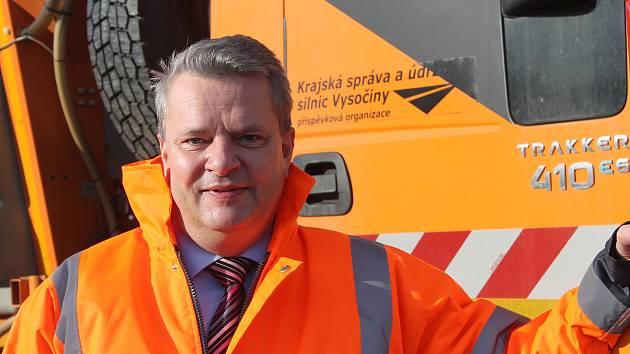 Radovan Necid byl starostou Velkého Meziříčí, místopředsedou tamního fotbalového klubu a nyní je už přes rok v čele krajských cestářů.
