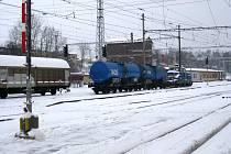 Odstavené železniční vagony se stávají častým terčem vandalů. Škody, které sprejeři napáchají, jsou veliké. Jen v loňském roce České dráhy na Vysočině vyšly na necelé tři miliony korun.