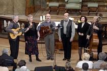 Rovné čtvrtstoletí letos slaví tradiční folkový festival Horácký džbánek. O posledním srpnovém víkendu na pódium vystoupí například Fleret, Jarmila Šuláková či Spirituál kvintet (na snímku).