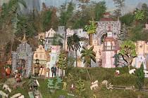 Betlémy v třešťských domácnostech se otevřely široké veřejnosti. Lidé mohou až do Hromnic prohlížet figurky a krajinky plné domečků, pařezů a mechu.