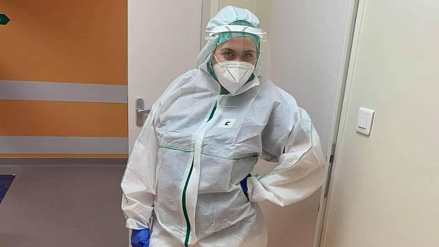 Studentka oboru Zdravotně sociální pracovník Pavlína Pekárková z Třebíčska pomáhala v Nemocnici Jihlava,