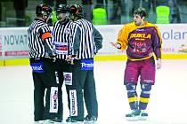 Jihlavští hokejisté nasbírali ve dvou duelech proti Šumperku nebývale mnoho vysokých trestů.