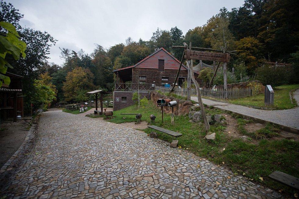 Uzavřená zoologická zahrada v Jihlavě.