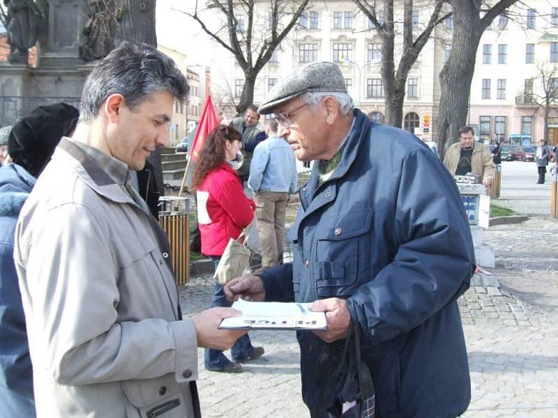 Podpisy sbíral i jihlavský zastupitel Ladislav Vejmělek.