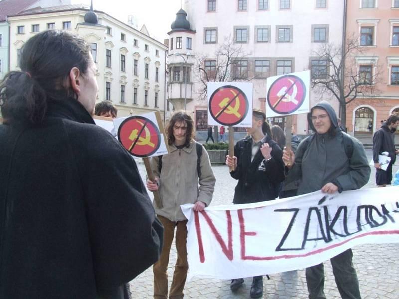 Protestovala i Jihlavská autonomní mládež, ale samostatně.