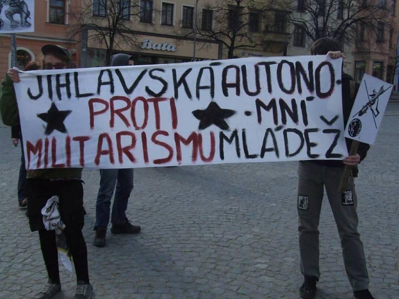 Jihlavská autonomní mládež demonstrovala, ale samostatně.