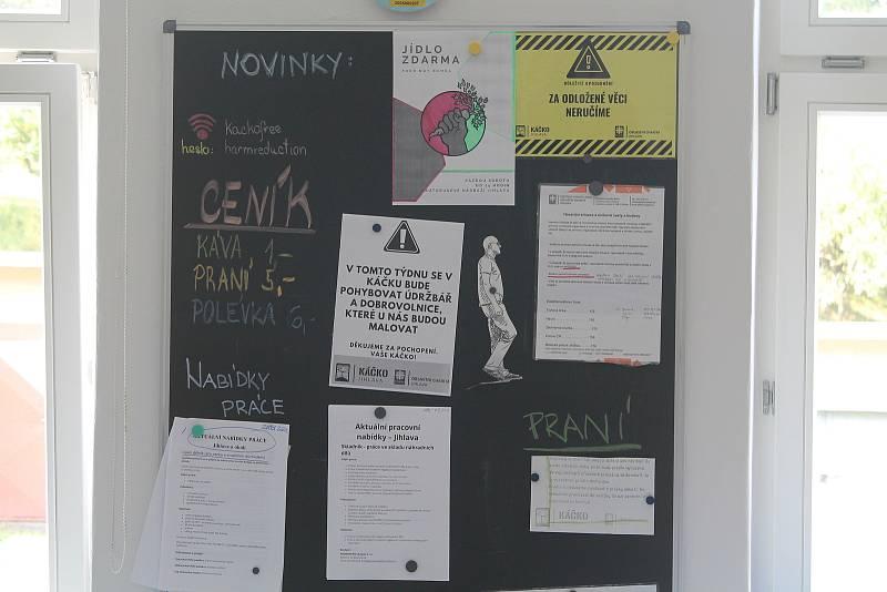 Pravidla a další informace lze najít na nástěnce v kontaktní místnosti.