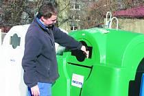 Sběrný dvůr na Brtnické ulici funguje od listopadu 2013. Během loňského roku jeho služeb využilo 5 672 zákazníků, kteří odevzdali 157,867 tuny odpadů, 1 745 kusů elektrozařízení a 835 kusů pneumatik. Ilustrační foto.
