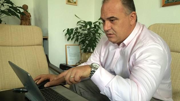 On-line rozhovor se starostou Náchoda Janem Birke