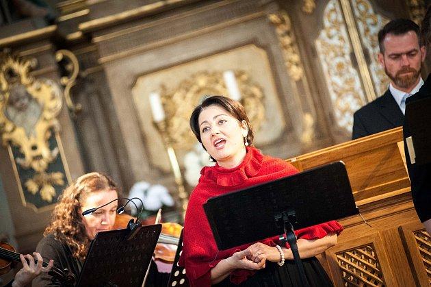V božanovském kostele sv. Máří Magdalény odstartoval letní hudební festival klasické hudby Za poklady Broumovska. Foto: Jakub Šleis