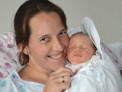 JOSEF GRUNT se narodil 11. července 2012 v 16:06 hodin s váhou 3090 gramů. S rodiči Michaelou a Josefem, a se sestřičkami Adélkou (necelých 10 let) a Eliškou (4 roky), mají domov v České Skalici.