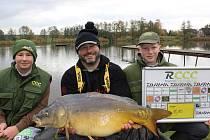 MARIAN POTĚŠIL s druhým úlovkem o váze 11,10 kg, který ho dostal na 1.místo.
