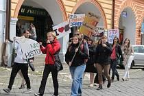 DEMONSTRACE vysokoškoláků v Jaroměři.