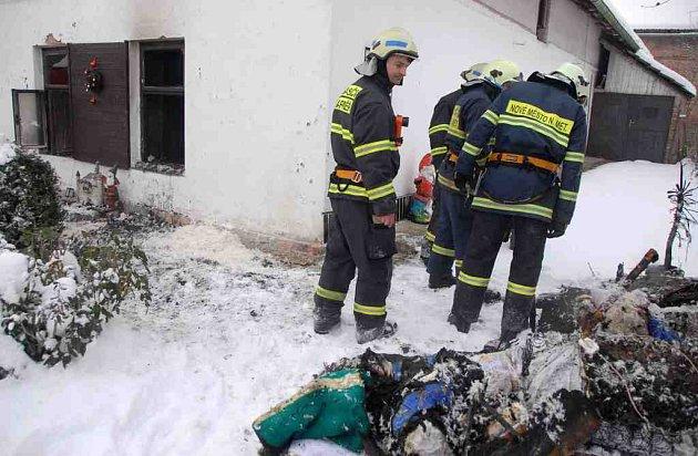 Požár rodinného domu ve Veselici na Náchodsku.