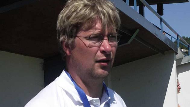 Trenér Roman Čáp se výraznou měrou podílel na záchraně A–týmu FK Náchod – Deštné v letošním ročníku České fotbalové ligy.