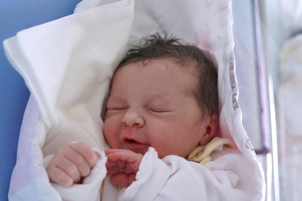 Natálie Rašková je z obce Hynčice. Narodila se 19. listopadu 2019 v 19,15 hodin, vážila 3253 gramů a měřila 48 centimetrů. Z holčičky se radují rodiče Michaela Lexmanová a Patrik Rašek i sourozenci Kristýna (13 let) a Ládík (10 let).