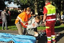 Jako záchranáři, tak se učí mladí na táboře první pomoc a rychlou reakci v krizových situacích.