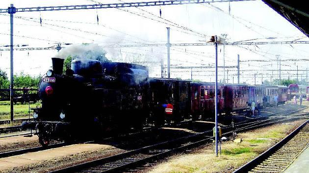 Velký bejček na jaroměřském nádraží.