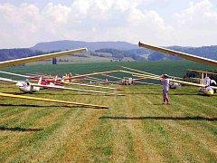 Loňských závodů se zúčastnilo celkem 33 pilotů, kteří během týdne absolvovali šest disciplín, z nichž pět bylo bodovaných. Vítězem soutěže,