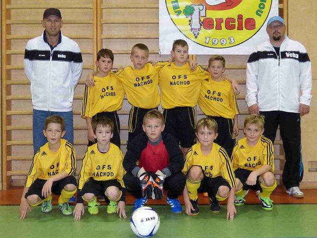 OKRESNÍ fotbalový výběr Náchoda kategorie U11 skončil na prvním turnaji Zimní halové ligy, který se hrál v Rokytnici v Orlických horách, třetí.