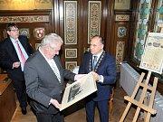 Přijetí prezidenta Miloše Zemana na radnici v Náchodě.