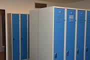 Učebny v Hronově prošly rekonstrukcí – vzniklo nové zázemí pro žáky - šatny a sociální zařízení.