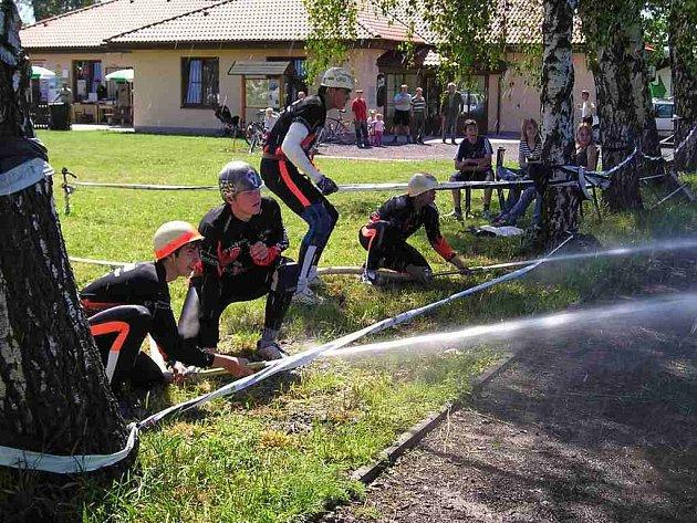 Mužům Červeného Kostelce (při nástřiku terčů) se úvodní díl Primátor ligy nevyvedl.