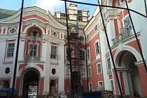 Historická obnova části kláštera v Broumově.