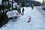 Havárie osobního automobilu v Teplicích nad Metují.