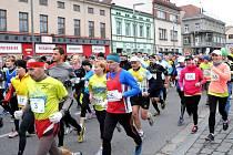 57. ročník populárního silničního běhu mezi Hronovem a Náchodem.