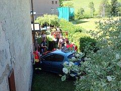 Tragická smrtelná dopravní nehoda v obci Machov na Náchodsku.