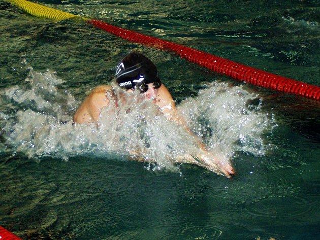 Dorostenec Martin Cöger si z pražského bazénu v Podolí přivezl zlatou medaili.