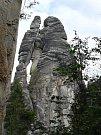 Horolezci Jiří Nešpor, Ondřej a Jakub Krecbachovi nechtěli, aby nápis na Milencích na horolezce v