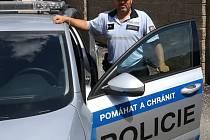 Policista zachránil muži život