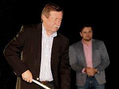 LEGENDÁRNÍ pravé křídlo, Vladimír Martinec, kouzlilo s hokejkou i v Novém Městě nad Metují.