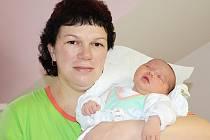 NELA JIRMANOVÁ se narodila 8. prosince 2011 v 8:45 hodin s váhou 4770 gramů a délkou 59 centimetrů. S rodiči Jitkou a Karlem, a se sestřičkou Jituškou (3), bydlí v Polici nad Metují.