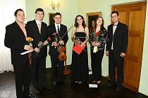 Na jarním koncertu v Jiřinkovém sále muzea Boženy Němcové zněly tóny mladých umělců.
