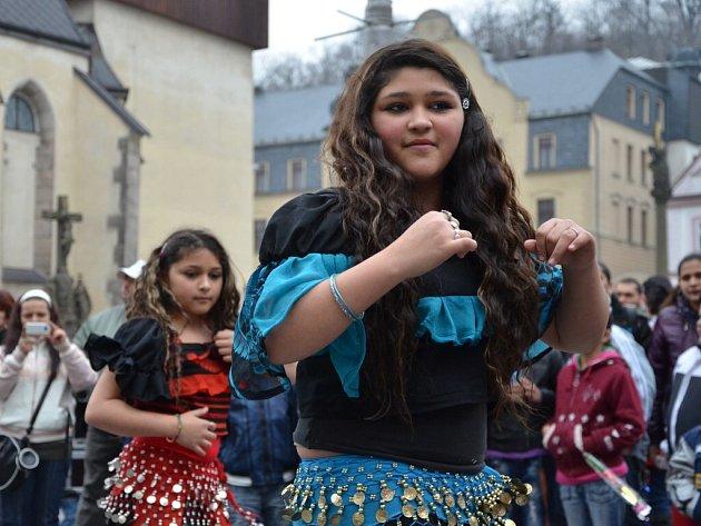 Mezinárodní den Romů na náchodském Masarykově náměstí.
