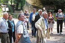 Zástupci více či méně vzdálených Broumovů navštívili i Adršpach.