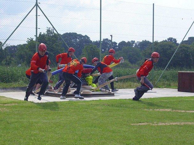 Po nezdarech v předchozích kolech se hasiči Vršovky v domácím prostředí vytáhli, když skončili třetí.