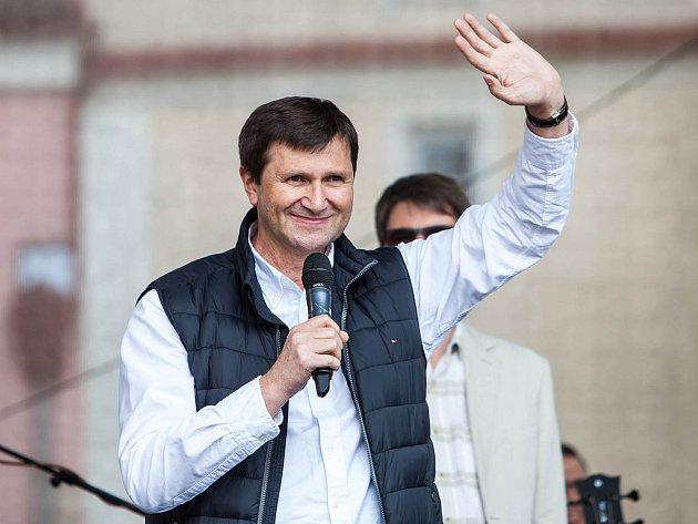 JAN HRUŠÍNSKÝ je novým patronem festivalu české televizní a filmové komedie Novoměstský hrnec smíchu.