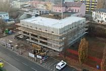 Stavba hasičské zbrojnice začala v loňském roce a letos, pravděpodobně koncem dubna, by měla být hotová.