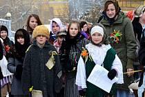 Masopustní veselí v Jaroměři mělo charitativní charakter. Finanční výtěžek pomůže nemocným lidem.