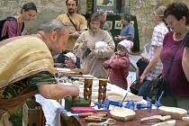 Ve vnitřních i venkovních prostorách polického kláštera se uskutečnil čtvrtý ročník Dne řemesel.