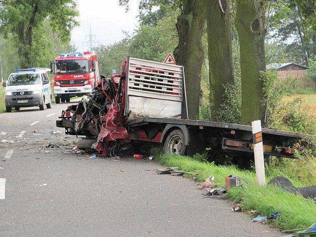 Vážná dopravní nehoda mezi Jaroměří a Velichovkami.