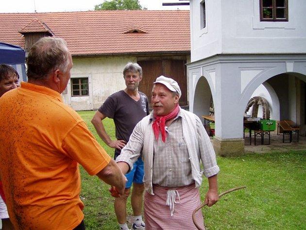 Hejtman Pavel Bradík se ve mlýně setkal také s mlynářem, kterého představoval Michal Lokaj.